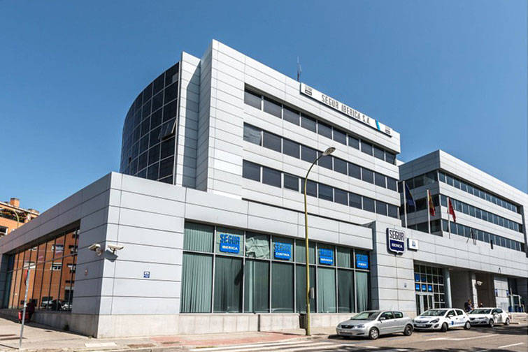 KCRE-logistic-office-building-in-Madrid
